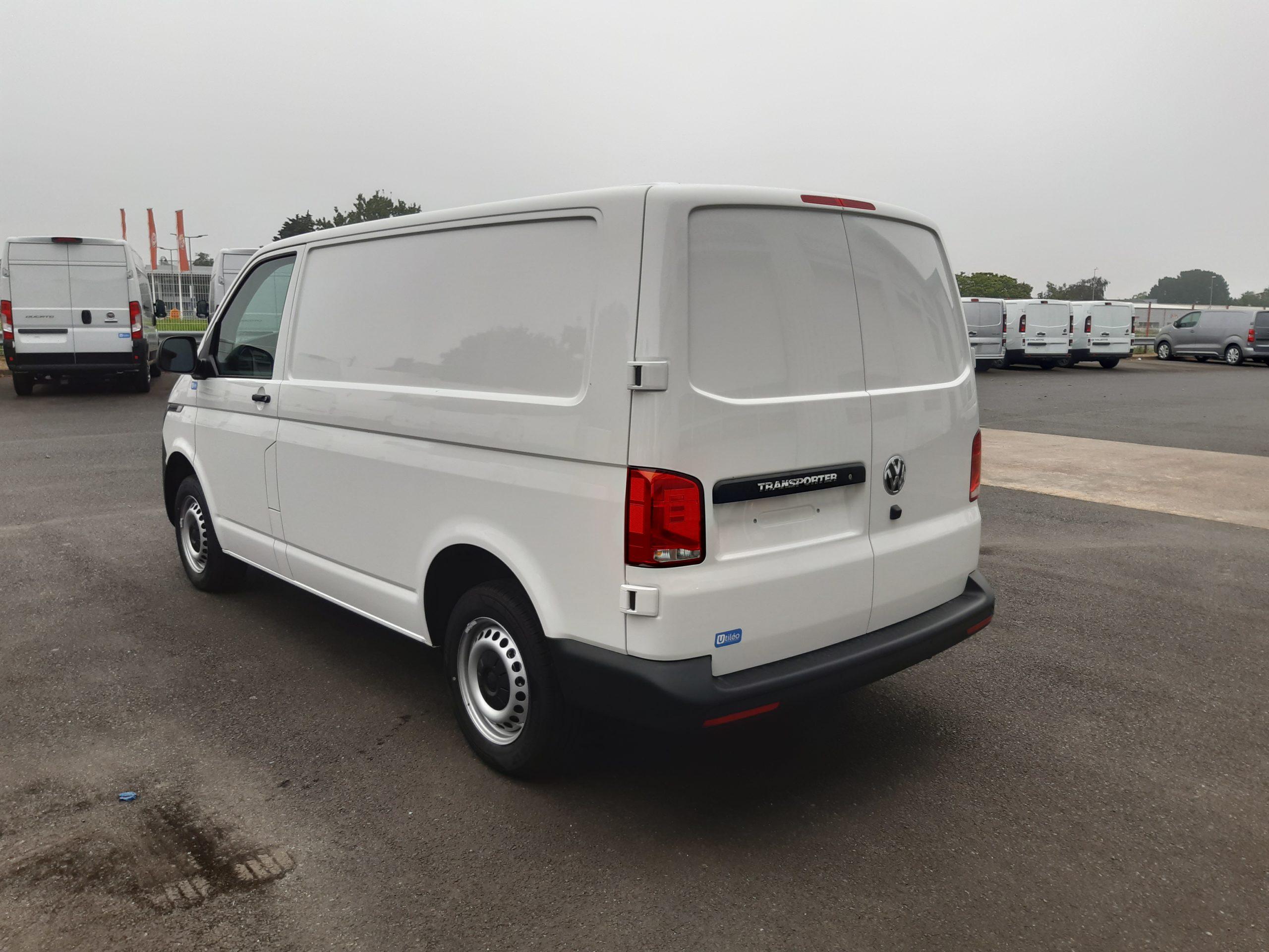 Location d'un fourgon compact double cabine - Volkswagen Transporter T6-1 - Vue5