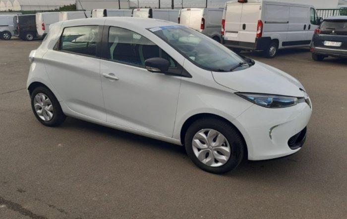 Location d'un véhicule de société pour une agence de marketing à Beauvais dans l'Oise (60) - Renault Zoé Pack GPS - Vue1