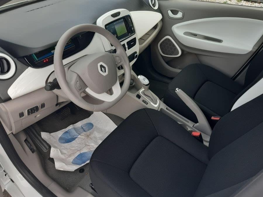 Location d'un véhicule de société pour une agence de marketing à Beauvais dans l'Oise (60) - Renault Zoé Pack GPS - Vue2